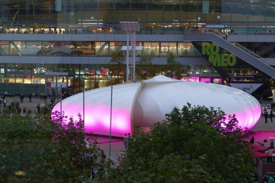 Frankfurt Pavillon bei Nacht