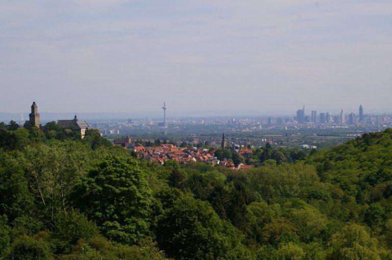 Taunusblick auf Frankfurt