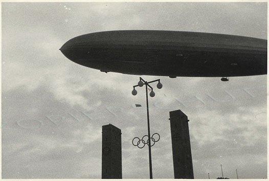 Zeppelin über Olympia